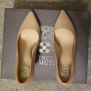 f902337aa05 Vince Camuto Shoes - NWT Vince Camuto Jaynita Pointy Toe Pump 6.5M
